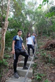 Joyee常常與朋友一同行山,而朋友亦會參與他的短片拍攝。